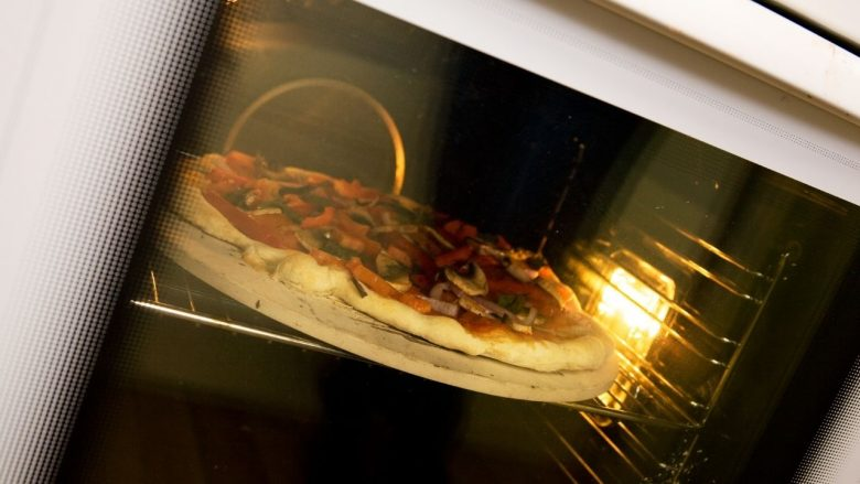 Can Your Pizza Stone Stay in the Oven All the Time?