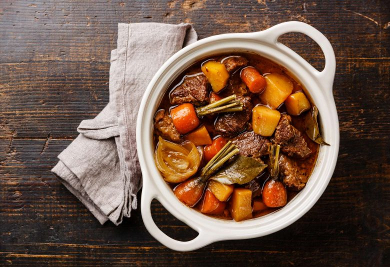 Braising vs. Stewing (What's the Difference?)